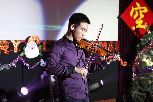 小提琴的诱惑-国际高中部2012年 仰望星空 圣诞节晚会精彩瞬间