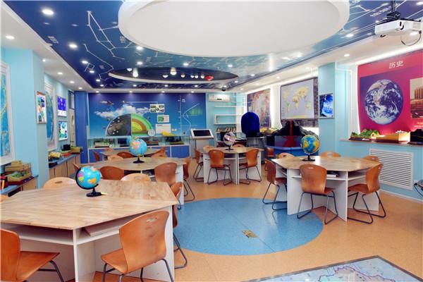 如動漫教室,航空模型設計教室,機器人教室,星球地理教室等,對三個學段